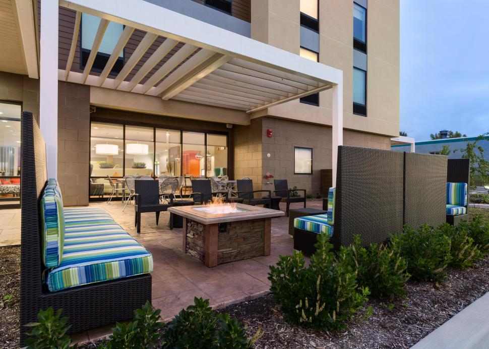 Outside Fire pit and Lounge