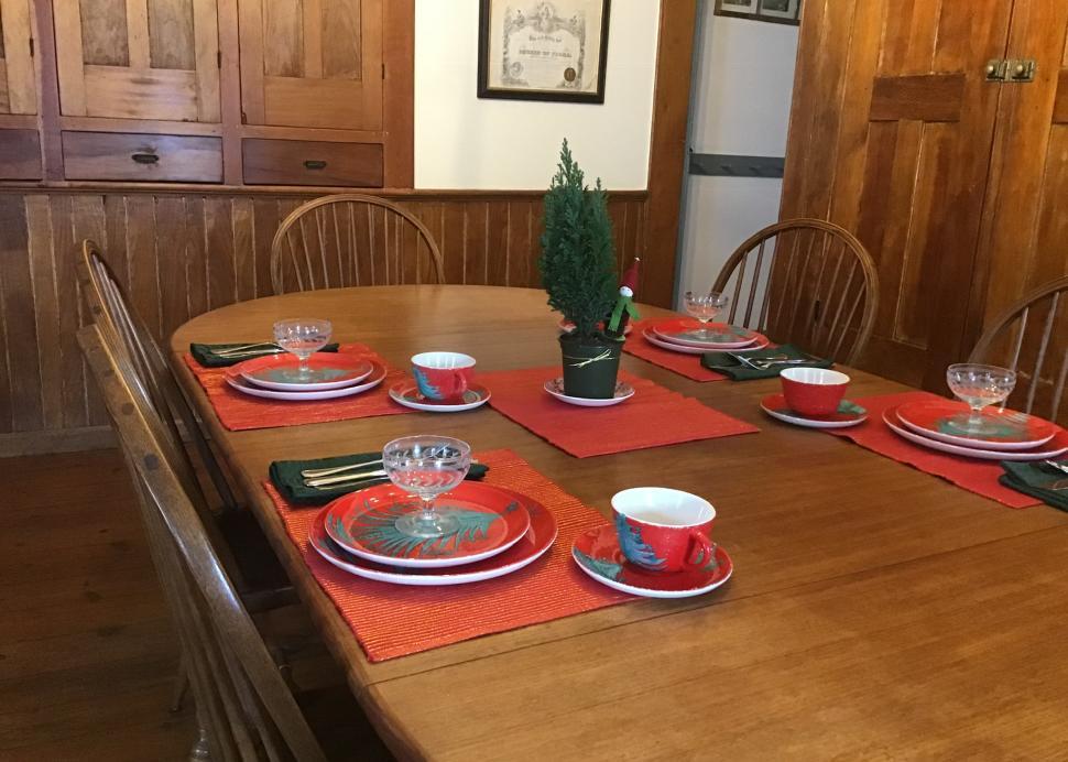 TFBB Table Set for Holidays