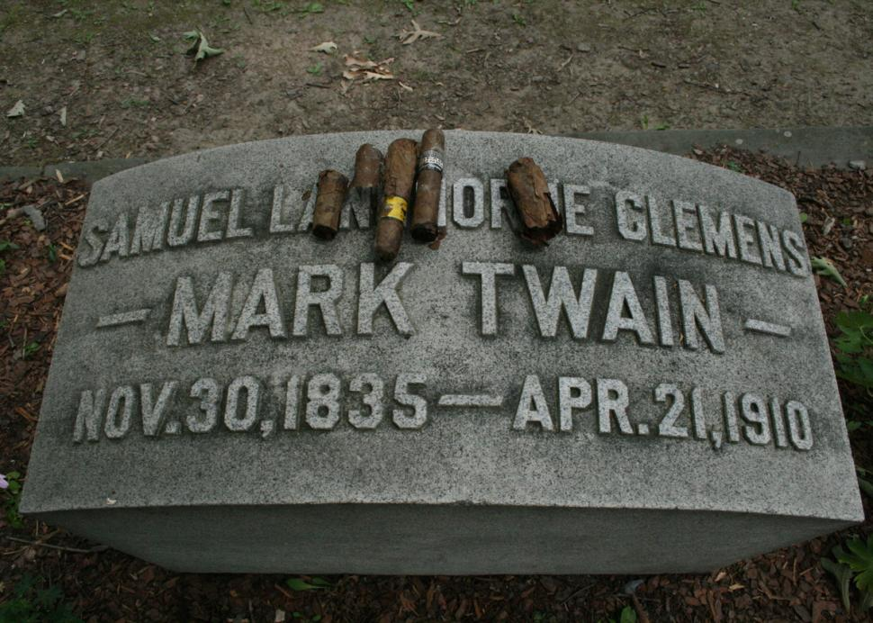 Mark Twain's gravesite at Woodlawn Cemetery