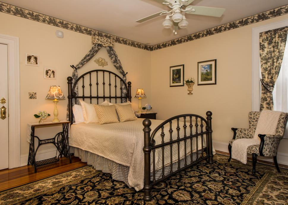 A Bed in The Interior Of The Clement Room At The Inn On The Main