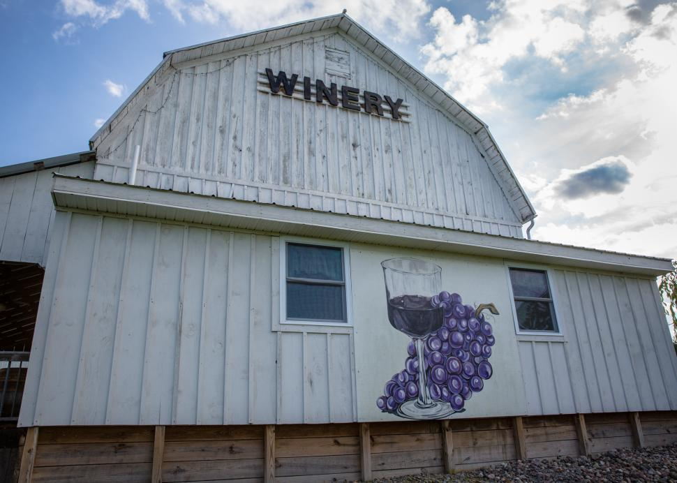 Izzos White Barn Winery in Cayuga County