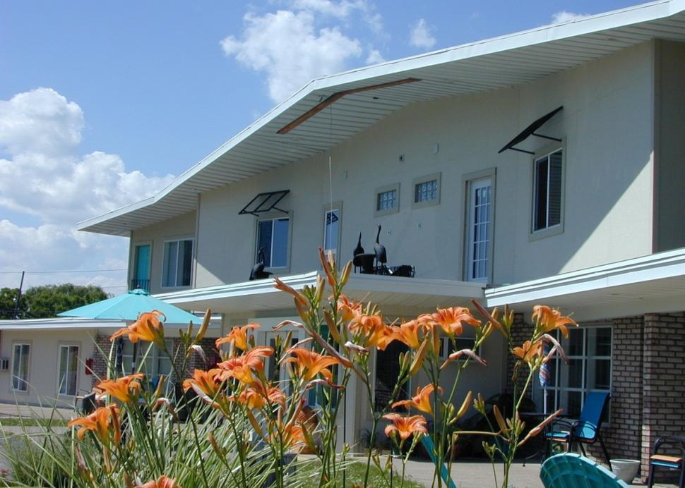 Outside view of the Miami Motel