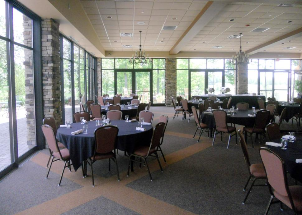 Ravenwood-Victor-golf-course-clubhouse-meeting-room