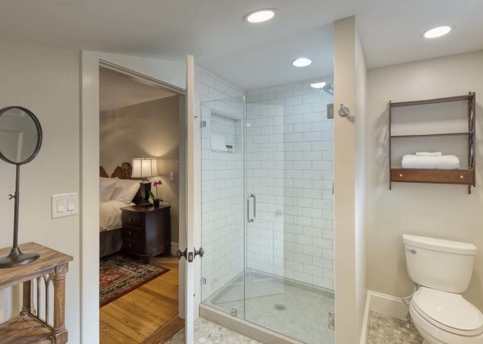 Inn Room Bathrooms