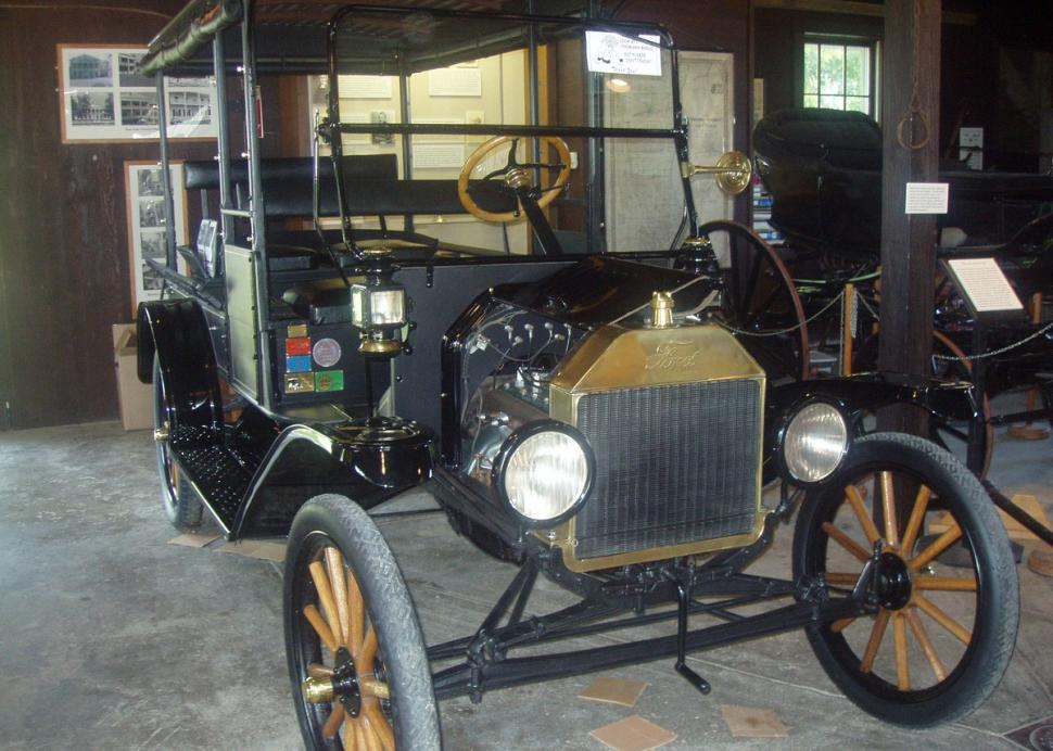 1916 Ford Model T at Rose Hill Mansion