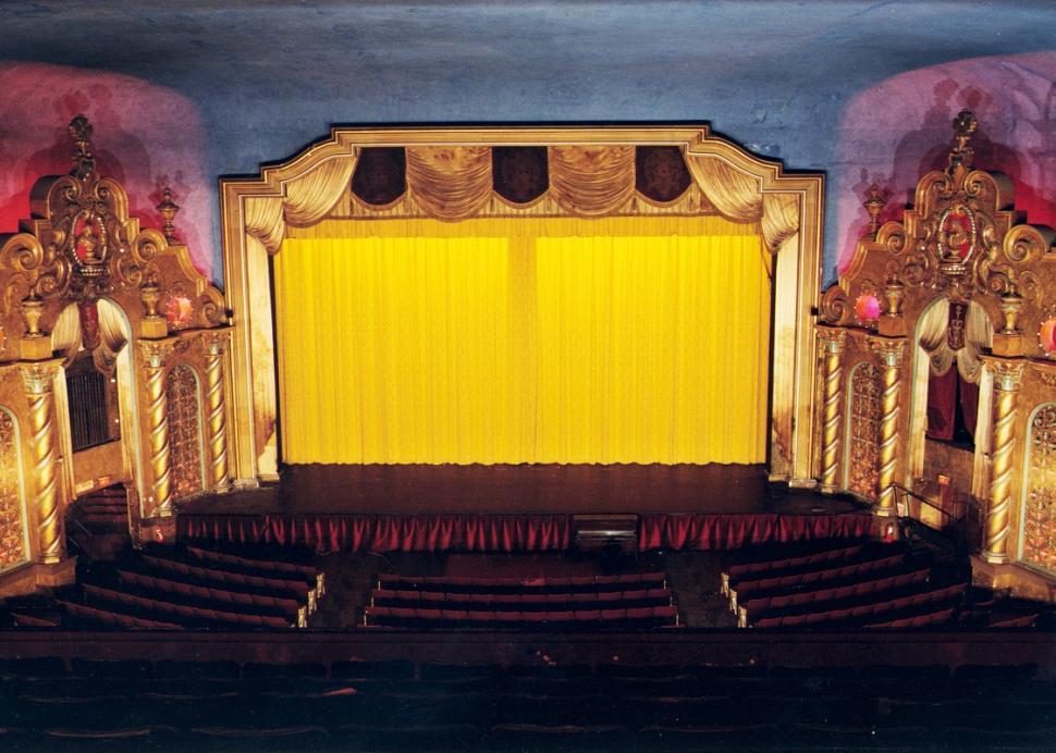 smith-opera-house-geneva-interior