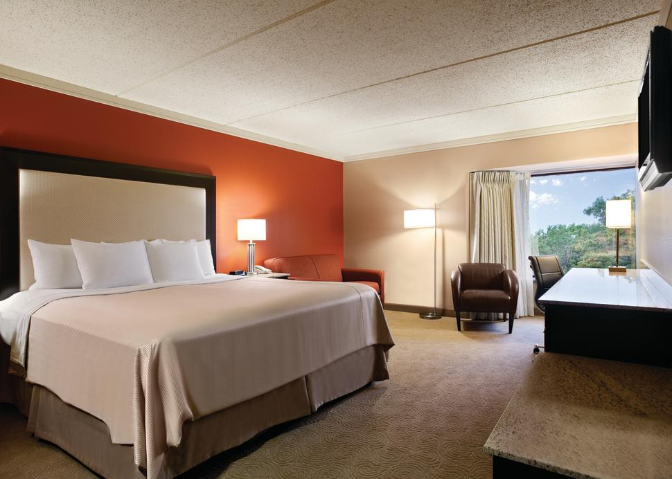 Woodcliff Hotel and Spa, Interior Standard King Room