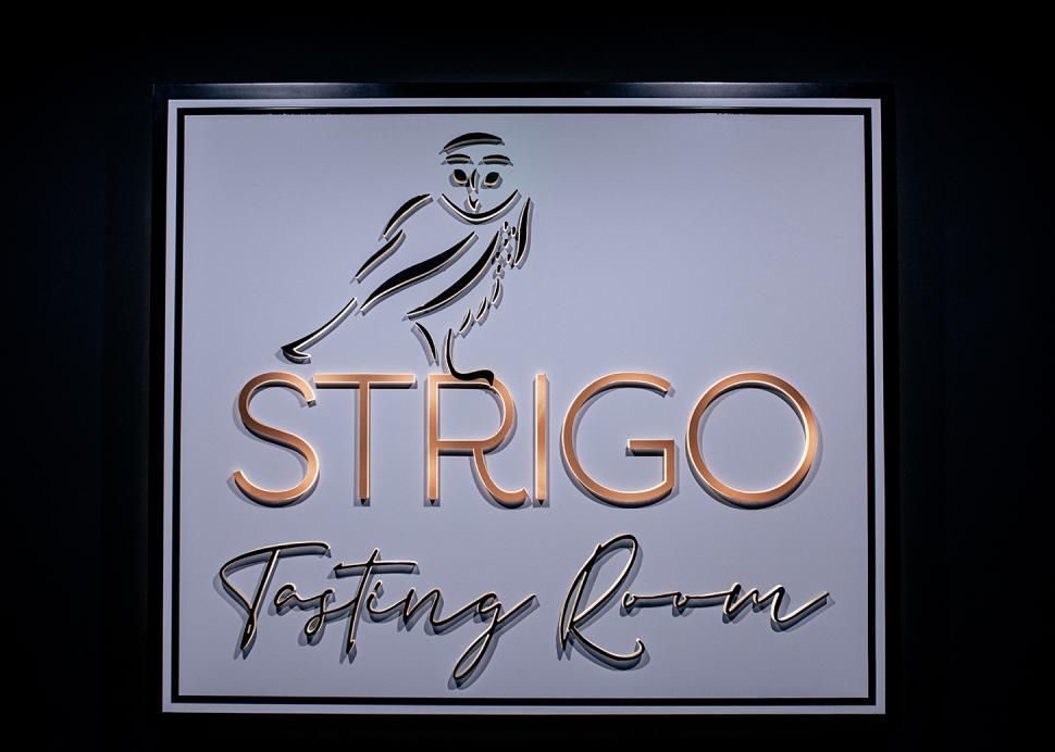 Strigo Sign