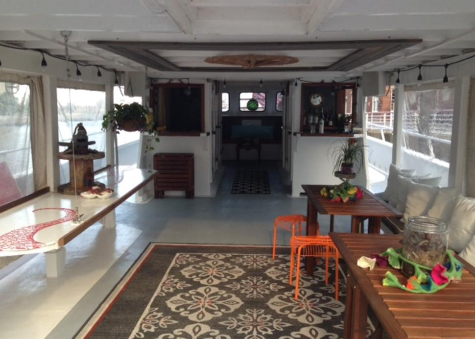 Discover Cayuga Lake boat interior