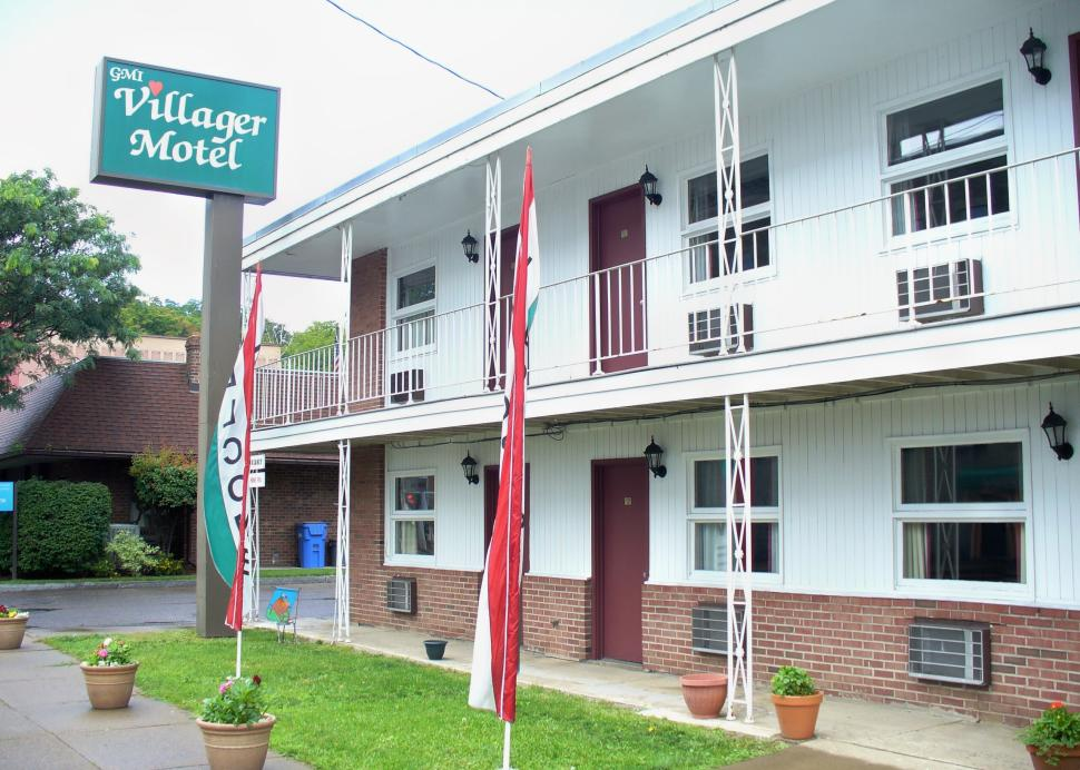 Motel conveniently located in downtown Watkins Glen
