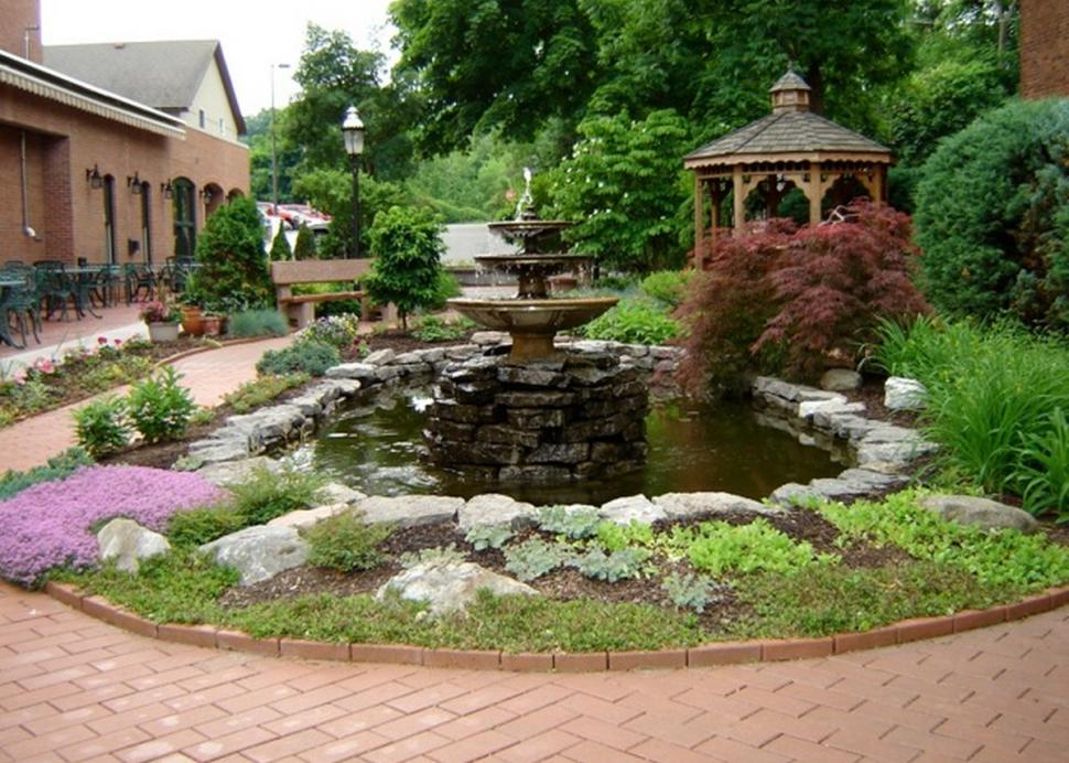 Garden and gazebo outside of Warfield's Restaurant and Bakery