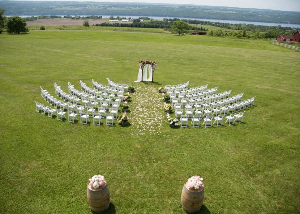 Sprawling lawn perfect for weddings