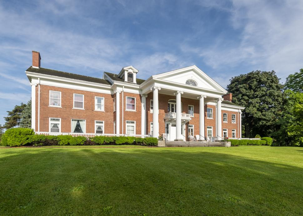 White Springs Manor exterior