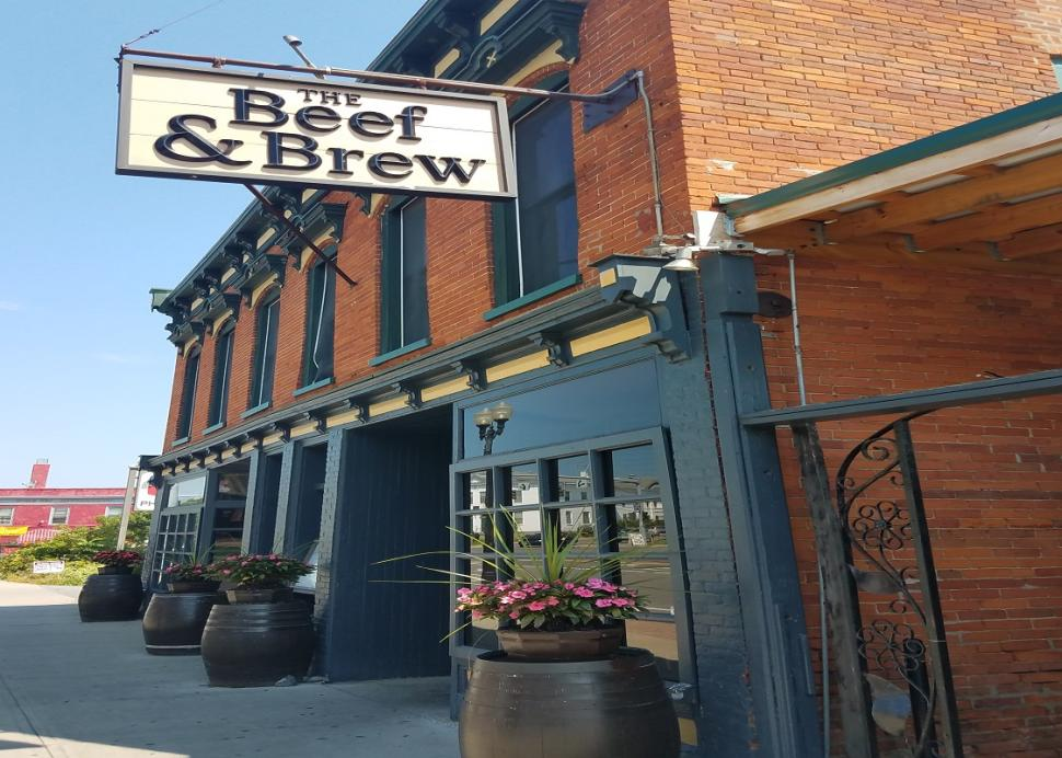 Exterior of the Beef and Brew in Geneva during the daytime