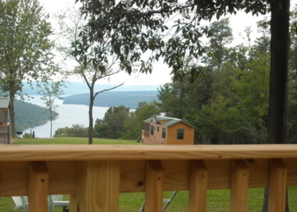 Bluff Point of View Chalet Rentals