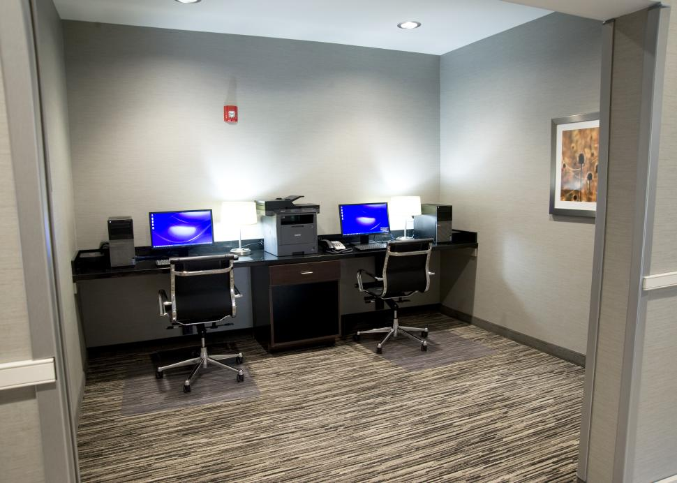 24 Hour Complimentary Business Center