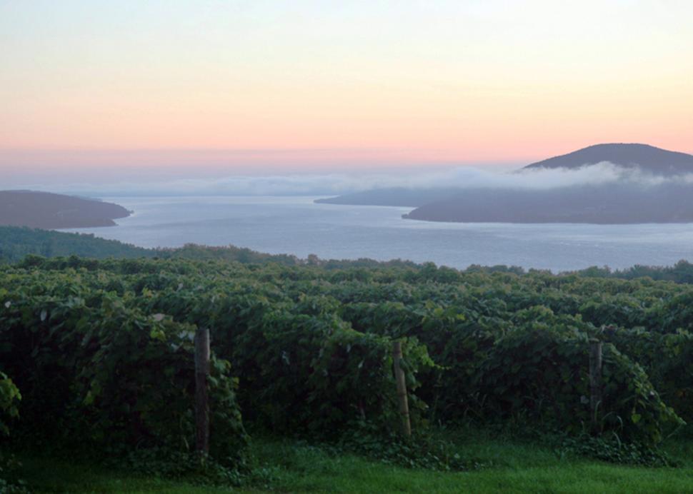 canandaigua-wine-trail-canandaigua-sunset-over-lake