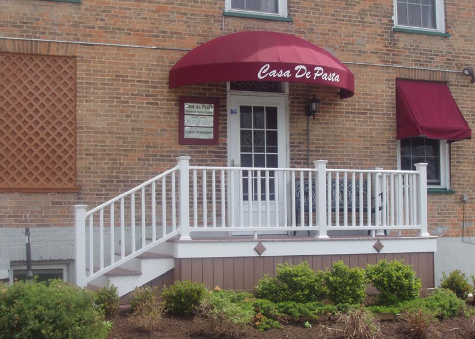 Exterior entrance to Casa De Pasta in Canandaigua