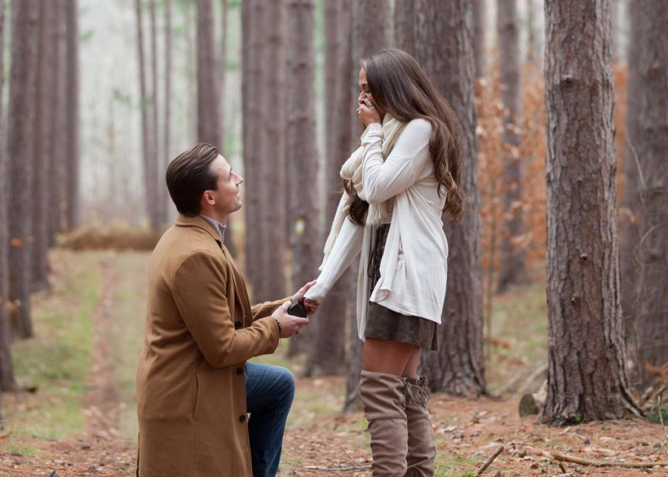 Man proposes in the woods at the Cummings Nature Center