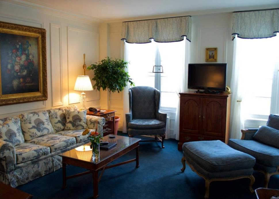 Inside of the classic suite at Geneva on the Lake