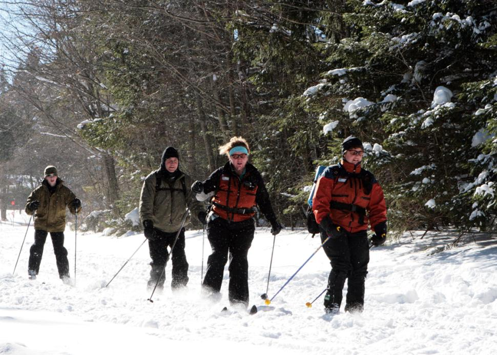 harriet-hollister-spencer-park-honeoye-cross-country-skiing