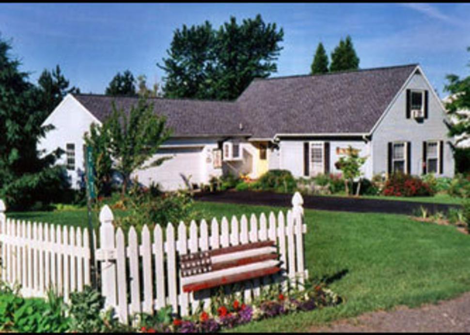 Macintire's Cottage B & B