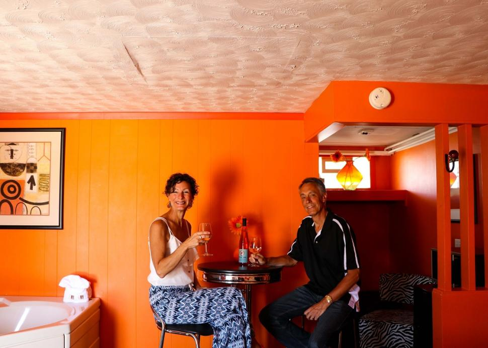 miami-motel-canandaigua-room