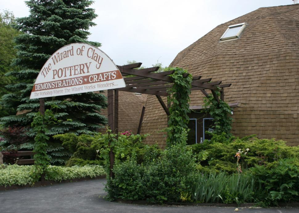 wizard-of-clay-bloomfield-exterior-entrance