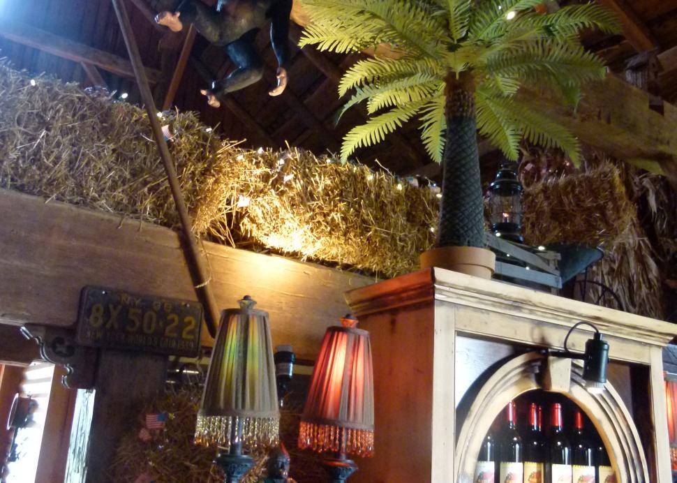 2017-lacey-magruder-vineyards-and-winery-geneva-interior (2)