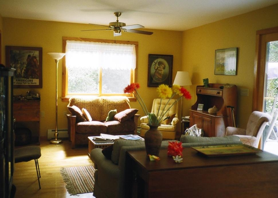 2009Helens Guest rooms.JPG