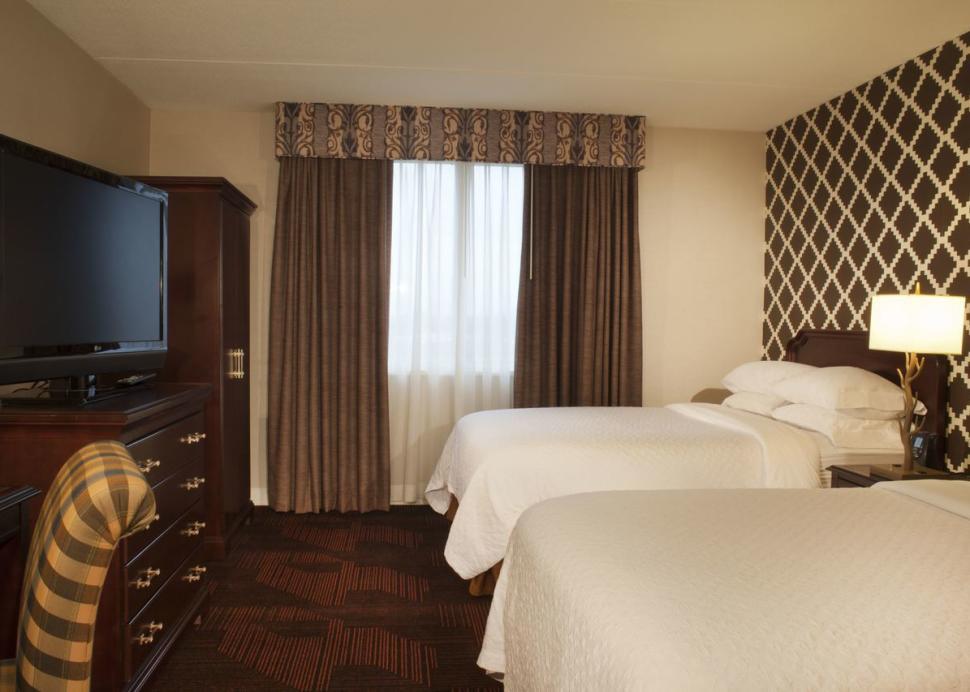 Queen Beds - 2 Room Suite