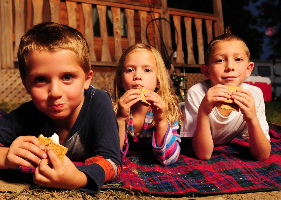 cheerful-valley-campground-phelps-people-smores