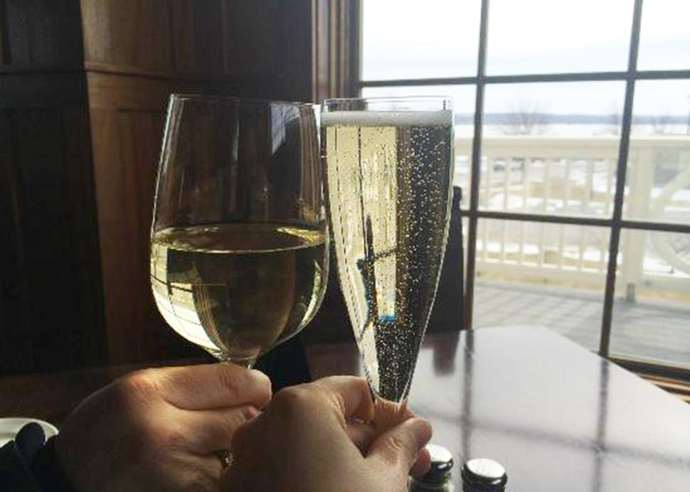 crush-on-canandaigua-wine-glasses-clinking