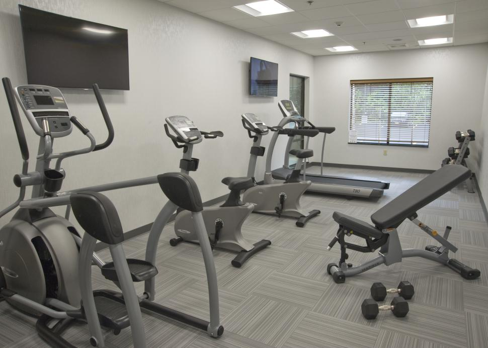 24 Hour Complimentary Fitness Center