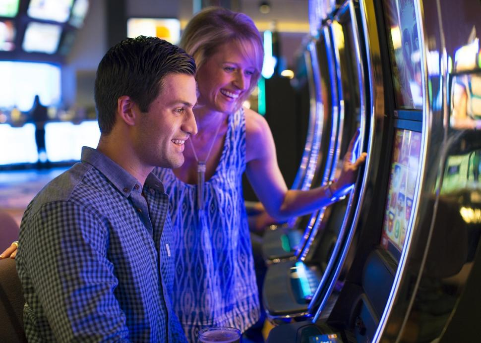 finger-lakes-gaming-and-racetrack-farmington-interior-gaming