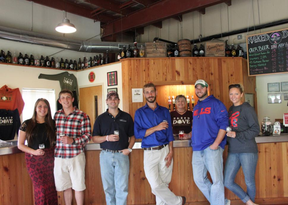 naked-dove-brewing-company-canandaigua-people-drinking