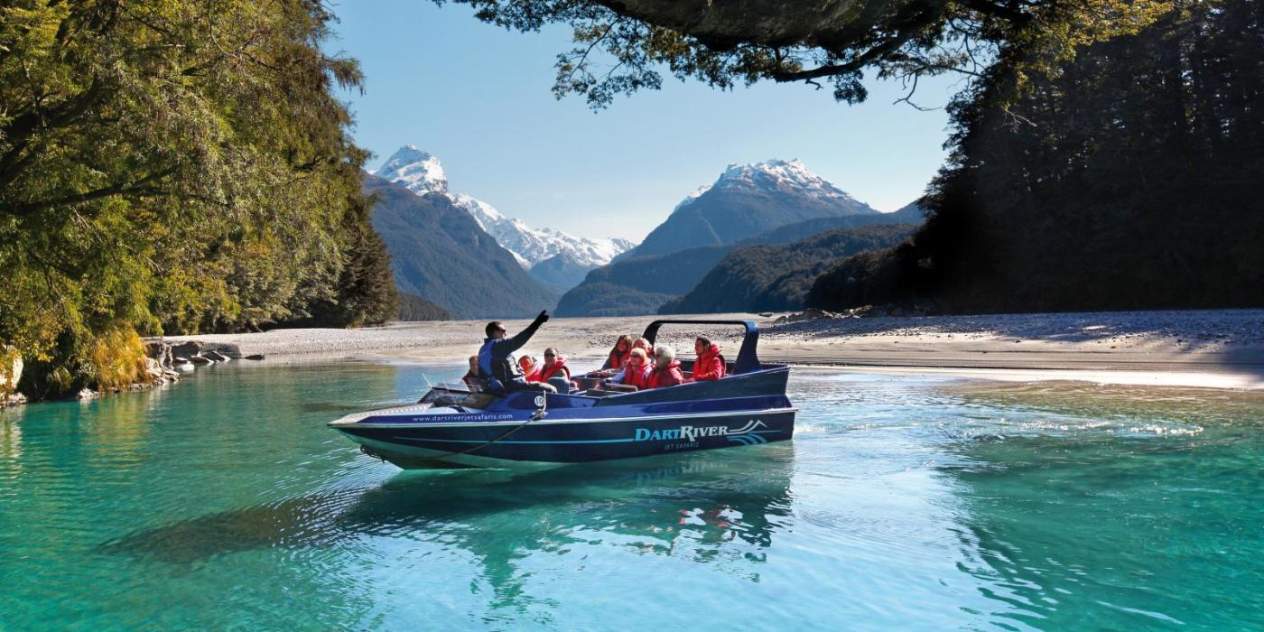 Jet-Boat-on-Dart-River-Glenorchy