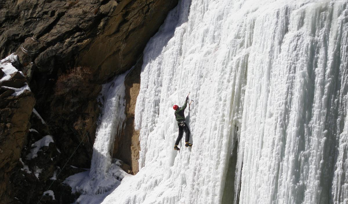 Beginner Trips to Expert Routes, Try Ice Climbing in Rocky Mountain National Park