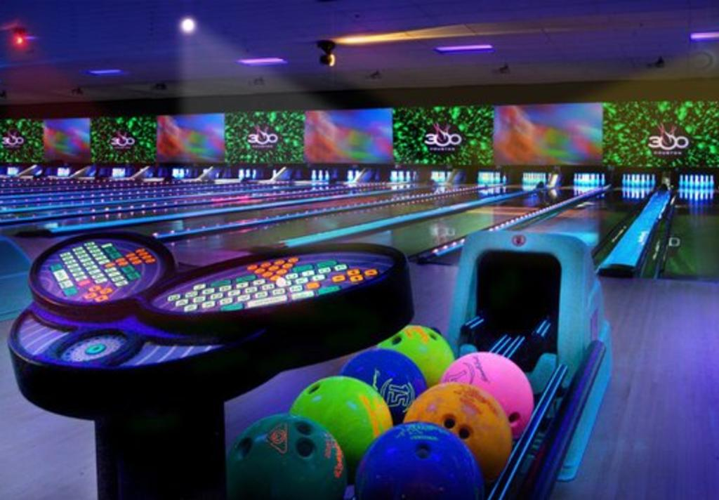 300 Houston Glow Bowling