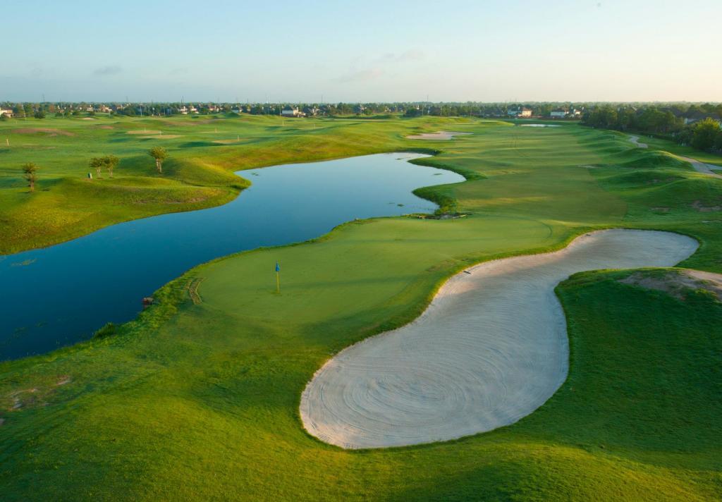 Houston National Golf