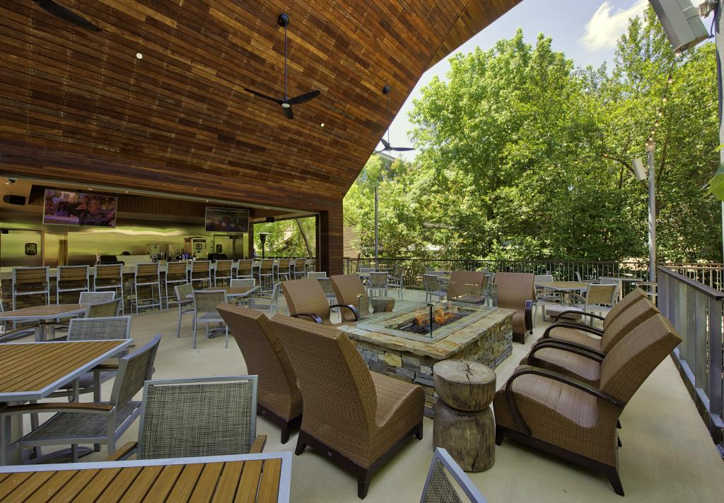 Arbor Grill Poolside Dining