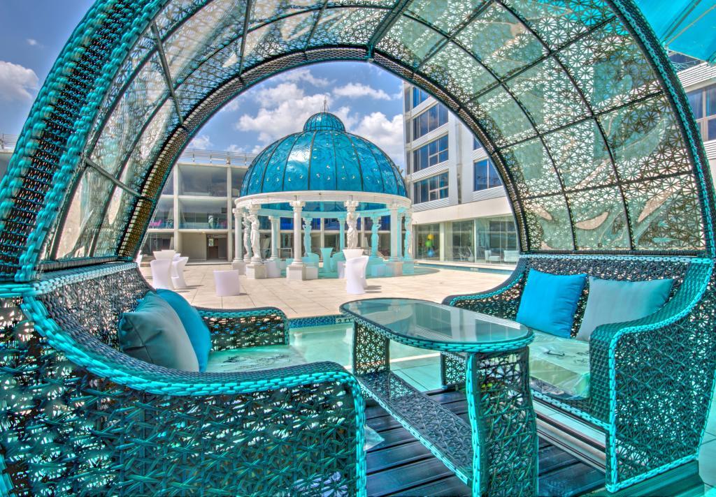 Grand Tuscany Hotel Cabana closeup