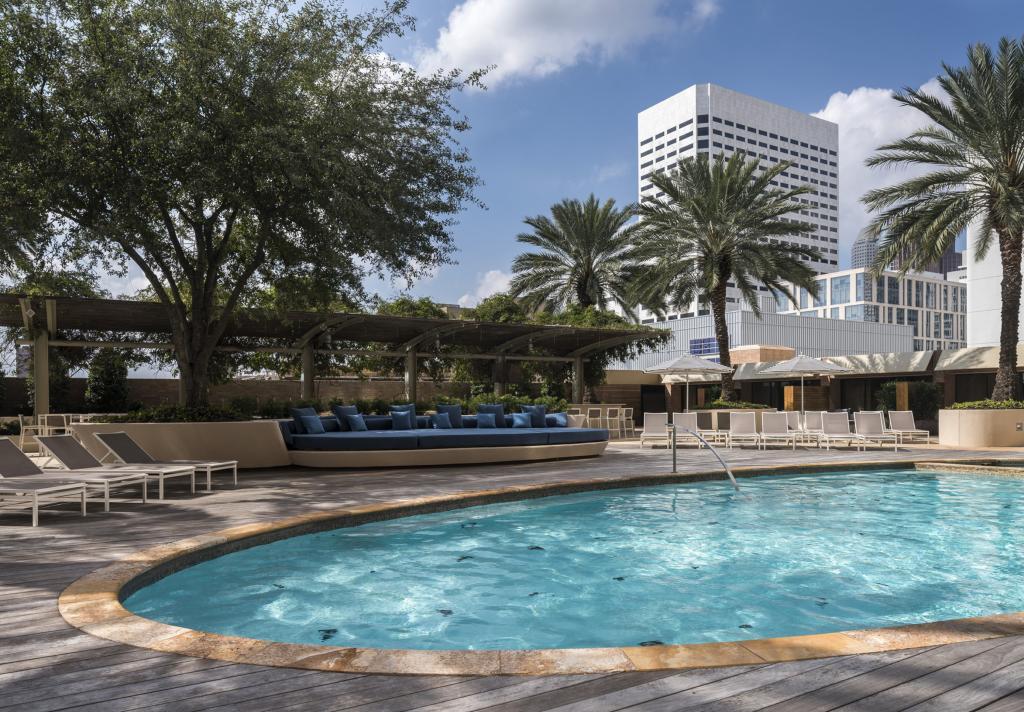 Four Seasons Hotel Pool- Day