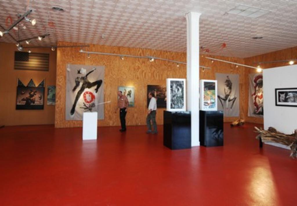 G Gallery