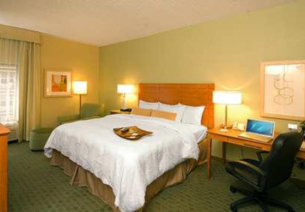 Hampton Inn Reliant