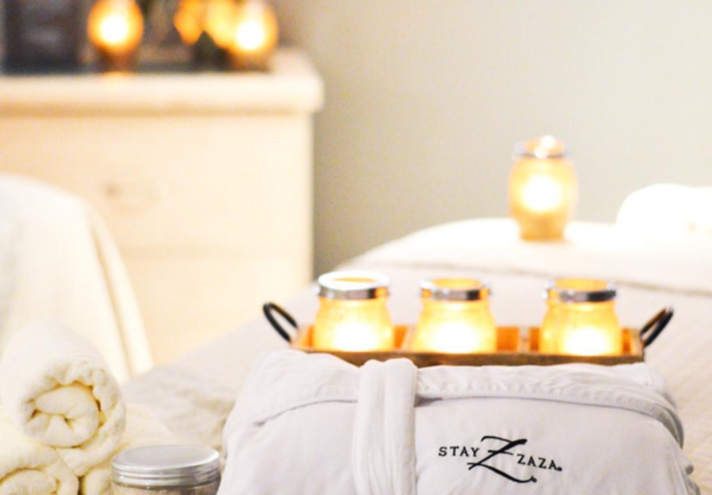 Hotel ZaZa Spa Candles and Robe