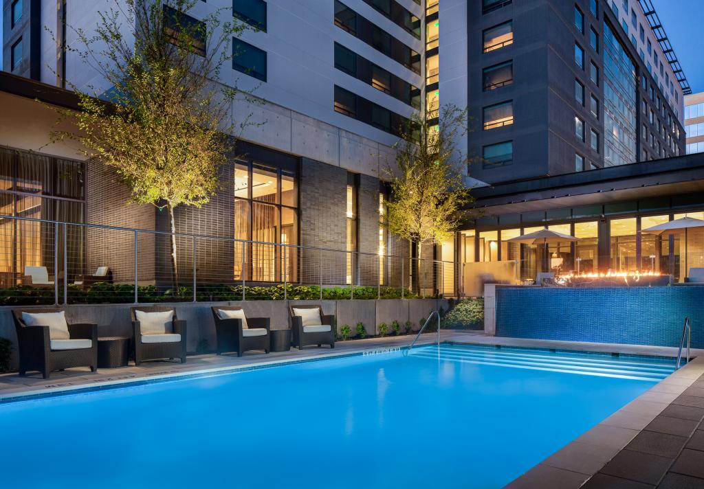 Marriott CityPlace Pool