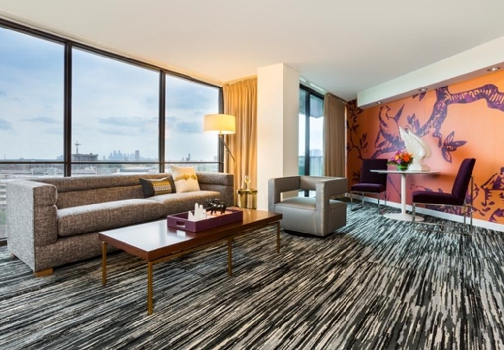 hotel derek suite 2