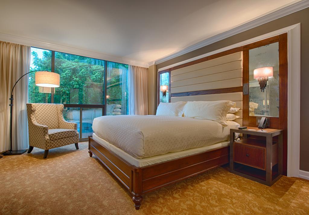 Piney Woods Suite - Bedroom