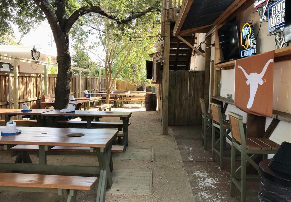 Pinkerton's BBQ Patio